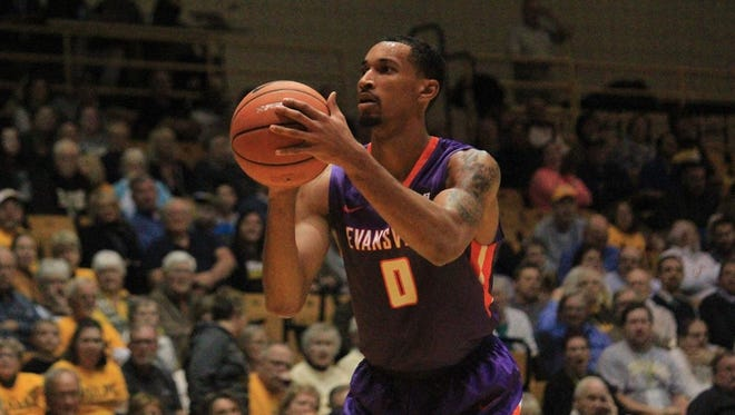 Evansville junior Ryan Taylor scored 14 of his 22 points in the second half as the Aces fended off Valparaiso on the road Wednesday.