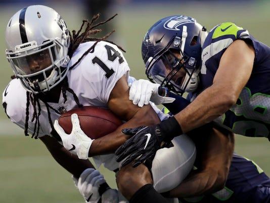 APTOPIX_Raiders_Seahawks_Football_40807.jpg