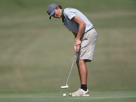 Dylan Vause of Lincoln plays during the Boys golf Big