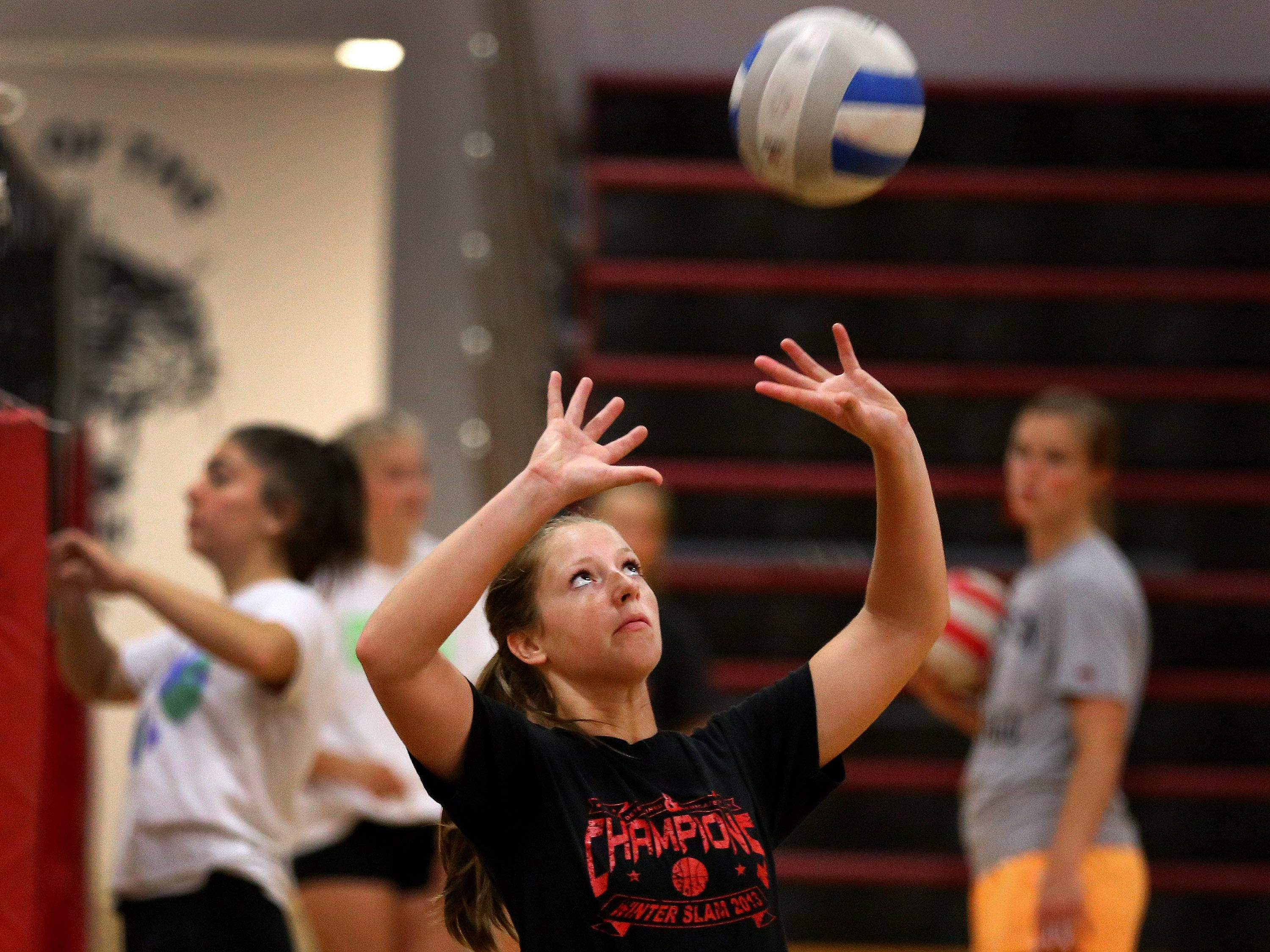 Central High School setter Kylie Nash during volleyball practice, Tuesday, September 1, 2015, in Independence, Ore.