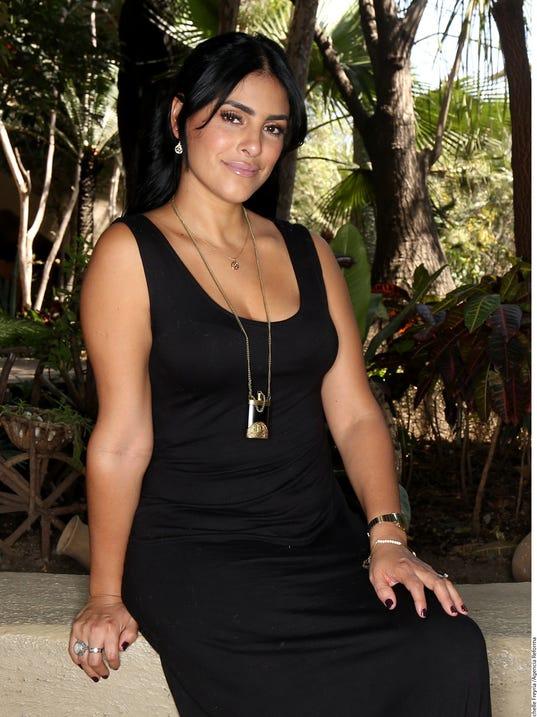 Liz Gallardo Nude Photos 37