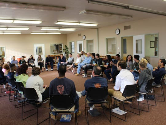 Willamette University's Reforming Criminal Justice class consisted of Willamette students, as well as men from the Oregon State Penitentiary. The first class was held in the 2016 spring semester.