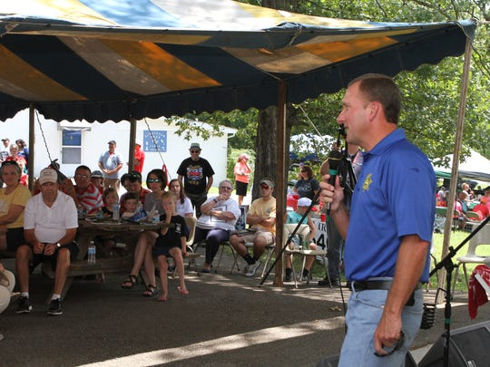 Hundreds gathered for the annual Lone Oak Picnic in Cunningham, TN Saturday. Great food, music and presentations from several political candidates made for an interesting day.