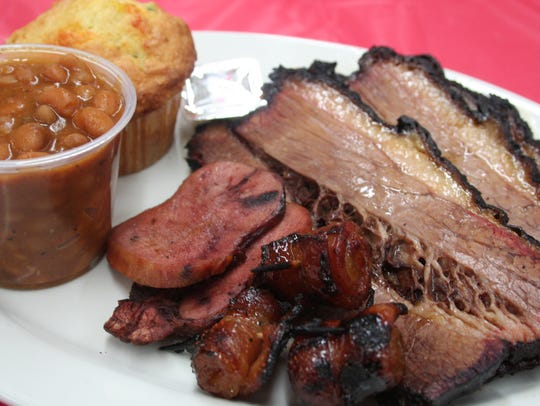 Bill's Bites visits Bowmans BBQ & Meat Market in Climax