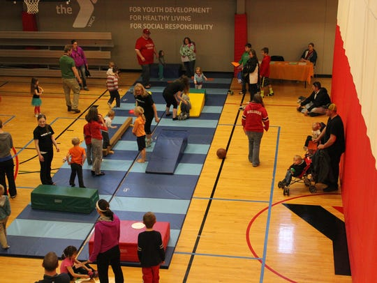 Families get acquainted with gymnastics activities