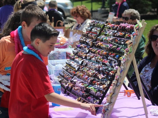 Elgin Elementary School students had the chance to buy a variety of trinkets priced at 25 cents and 50 cents to support the Shades of Hope Relay for Life team.