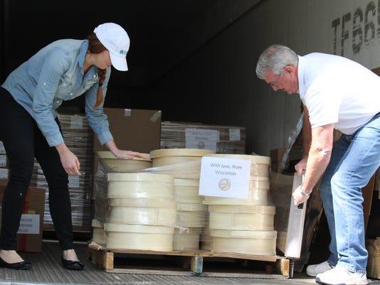 636398772787399311-Wisconsin-Cheese-donation.jpg