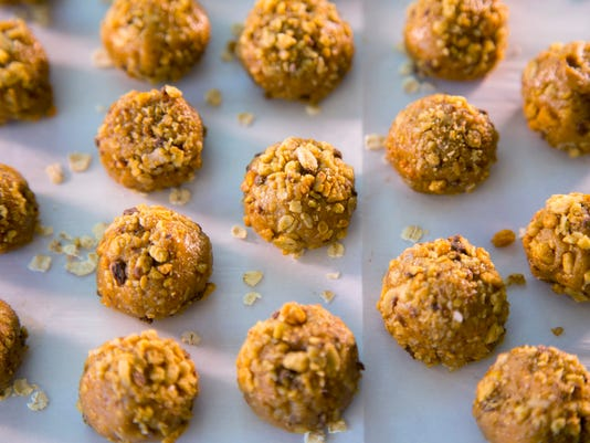 Cooking with honey   Honey Nut Balls with Granola (H - top view)