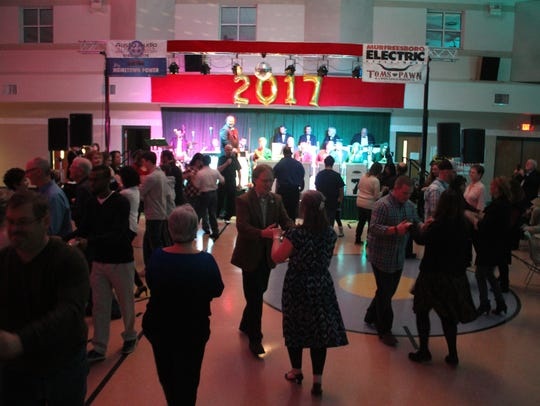Music City Swing Band will welcome a new year a little