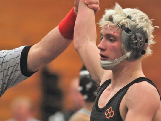 Ryle's Shay Horton picks up the win at 113 during the