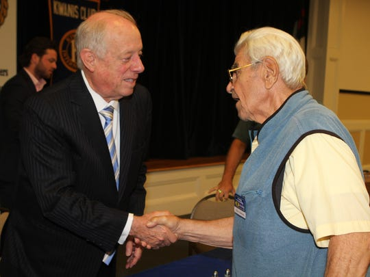 Phil Bredesen, left, and Tony Lombard at Tuesday's  Kiwanis Club of Clarksville luncheon.