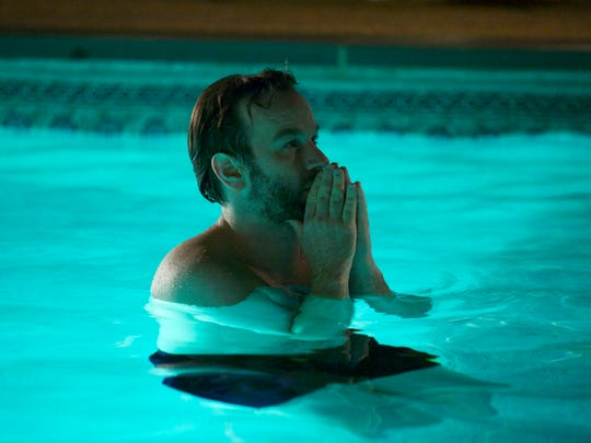 """Mike Birbiglia writes, directs and stars in """"Don't Think Twice,"""" which focuses on a group of friends who are members of an improv troupe."""