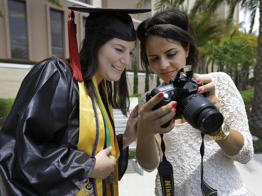 2014 389779346-Graduation_No_Selfies_FLCO201_WEB832402.jpg_20140502.jpg