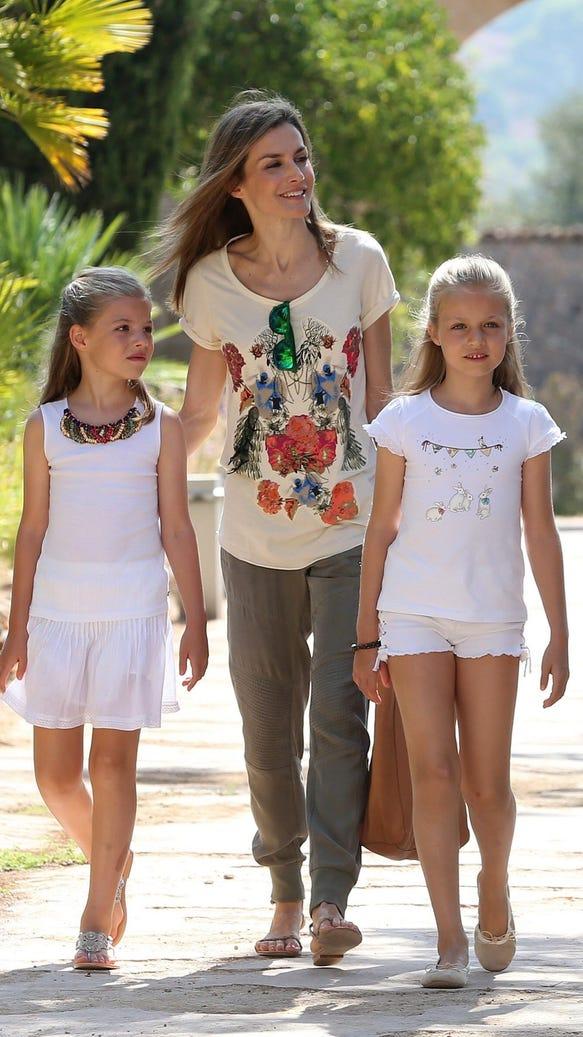 Queen Letizia and daughters