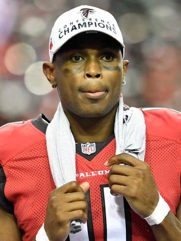 Atlanta Falcons wide receiver Julio Jones (11) wears