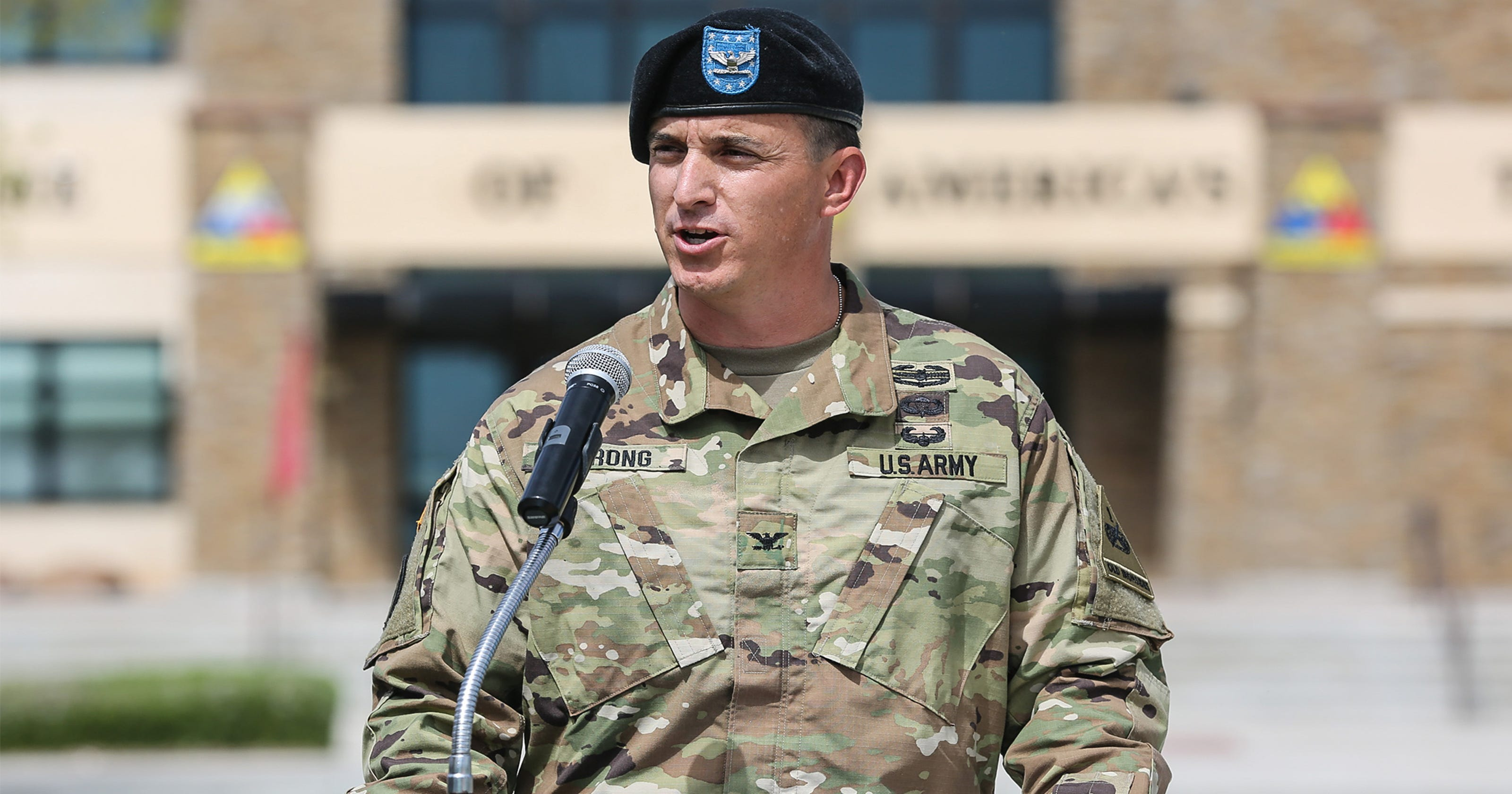02eee89e91f Col. Strong takes reins of 1st Brigade