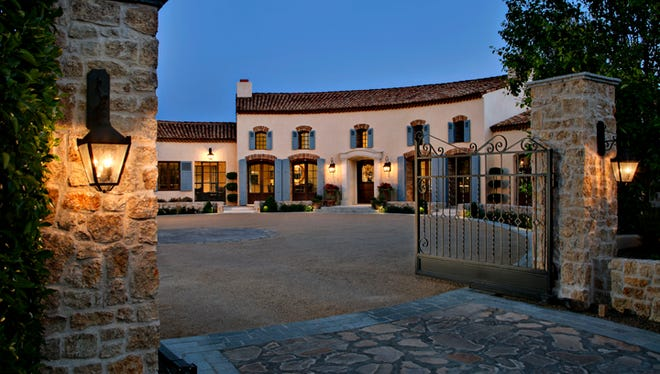 East Caballo LLC, a Delaware limited liability company, paid $8.65 million for this 11,700-square-foot, five-bedroom, seven-bathroom estate in Paradise Valley's Morning Glory Estates.