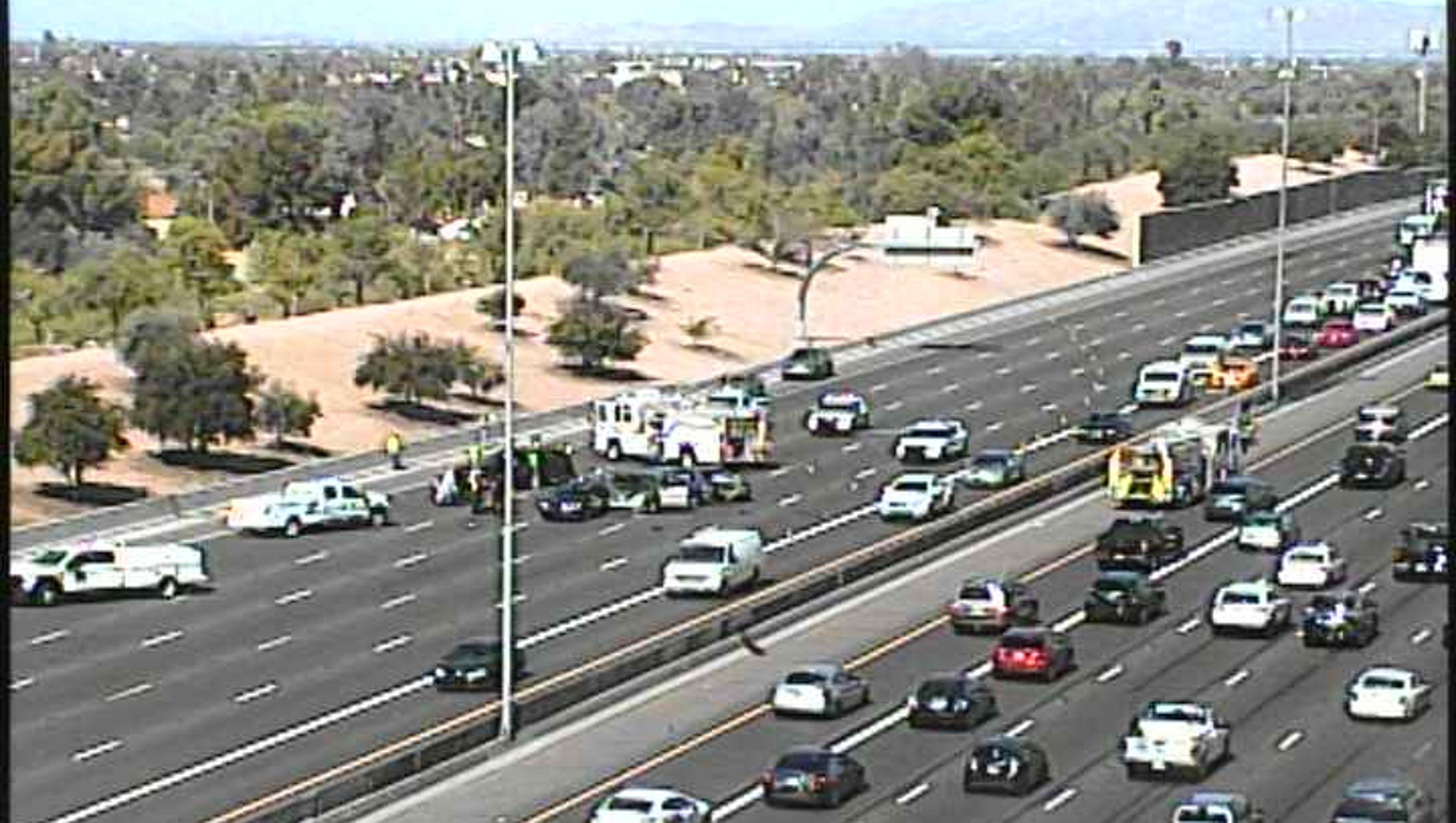 crash closes eastbound u.s. 60 in mesa at gilbert road