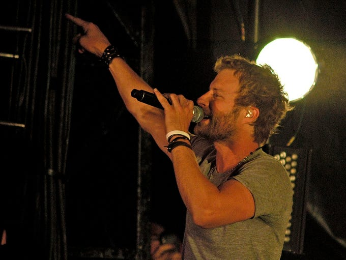 Phoenix-raised singer Dierks Bentley headlined Country