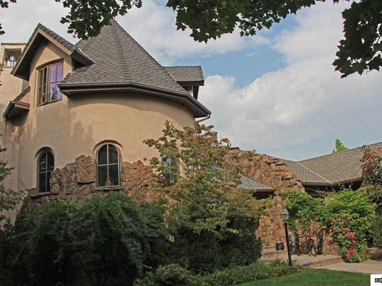 8395 Panorama Drive sold for $2.33 million.