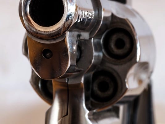 636094478376624763-gun.jpg