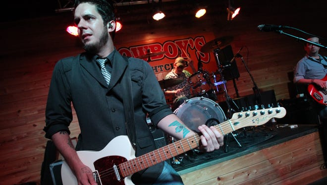Country singer Dustin Sonnier shares music and conversation Thursday at Acadiana Roots.