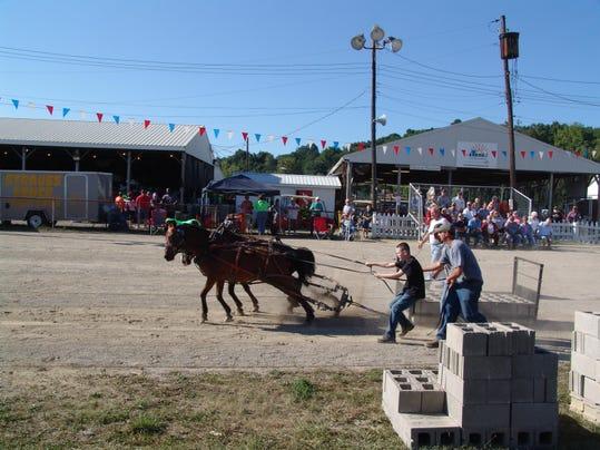 2 pony pull