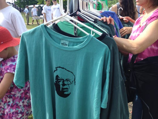 BernieTshirt-BoMullerMoore