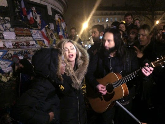TOPSHOT-FRANCE-US-MUSIC-ATTACKS-TRIBUTE-MADONNA