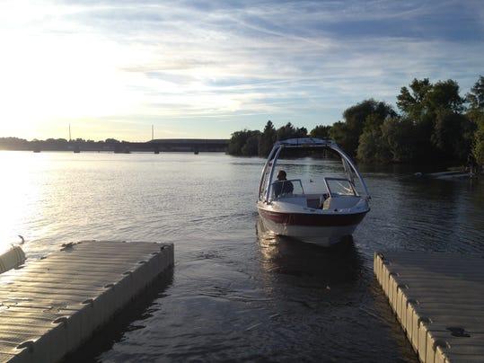 -10 boat 2c.jpg_20140623.jpg