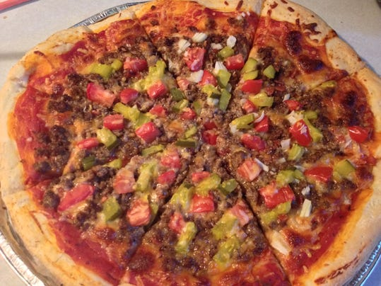 Bacon Cheesburger pizza.JPG