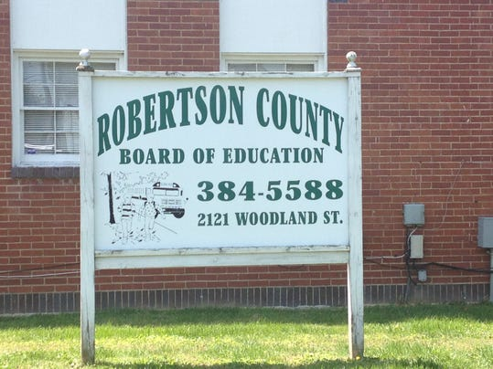 robertson county school district building.jpg