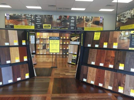 Lumber Liquidators opens new store