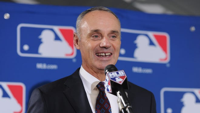 Rob Manfred beats out Red Sox chairman Tom Werner in vote by owners