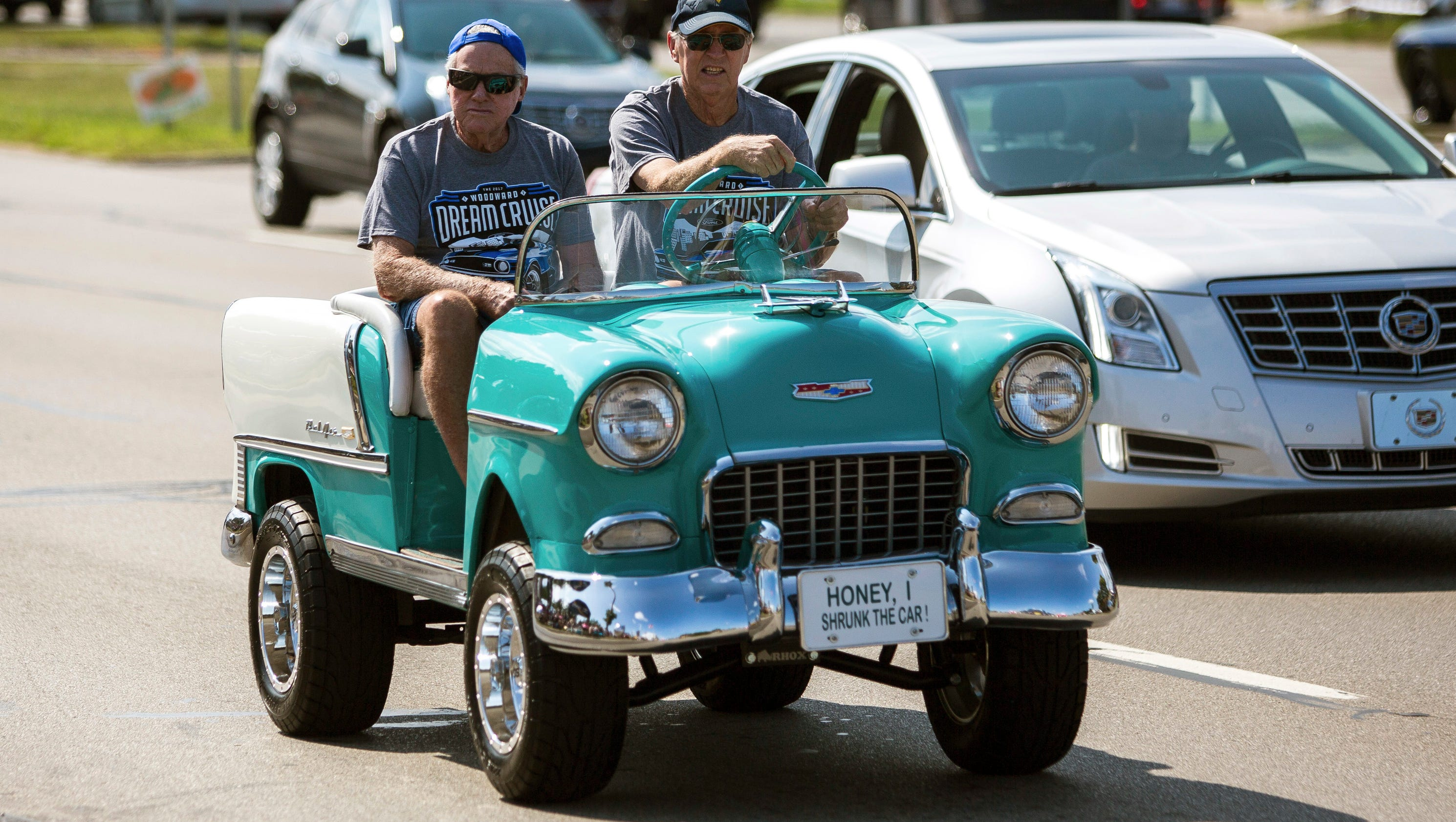 Detroit Muscle Cars And More Turn Out For Dream Cruise