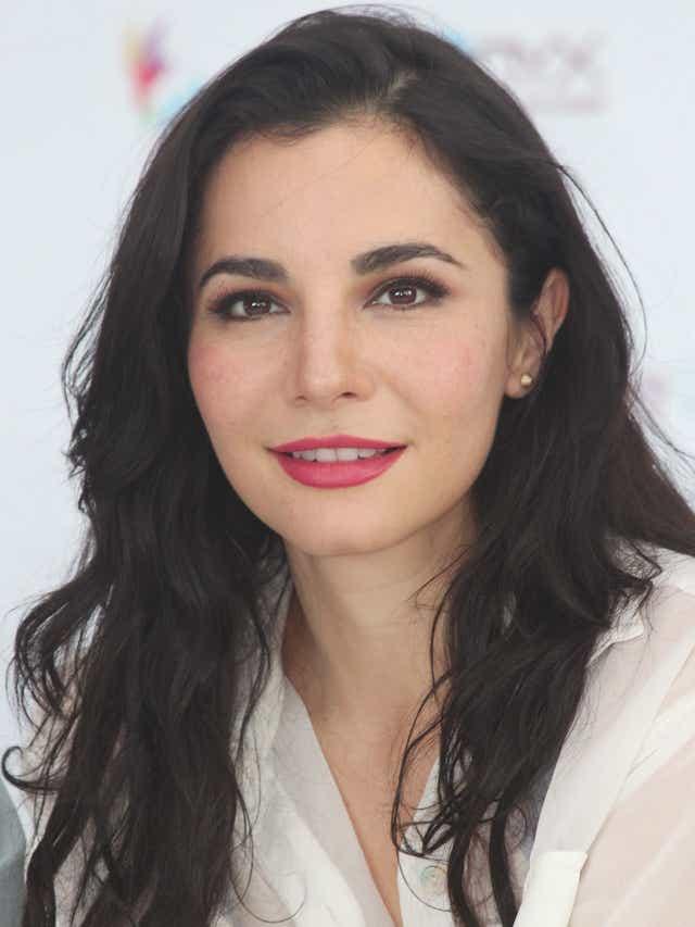 DEBATE sobre belleza, guapura y hermosura (fotos de chicas latinas, mestizas, y de todo) - VOL II - Página 4 635605707407826738-02-Martha-Higareda-1