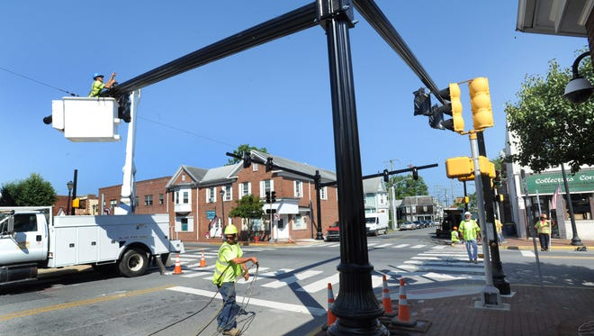 DelDOT crews make safety improvements in Georgetown at the intersection of U.S. 9 and Race Street.