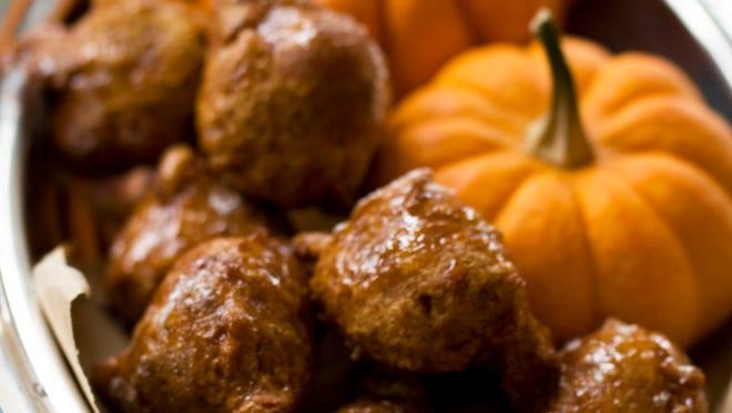 To help bridge the holidays of Hanukkah and Thanksgiving, this recipe pumpkin honey doughnuts combines the classic fried doughnut from Hanukkah and pumpkin pie from Thanksgiving, into one treat.