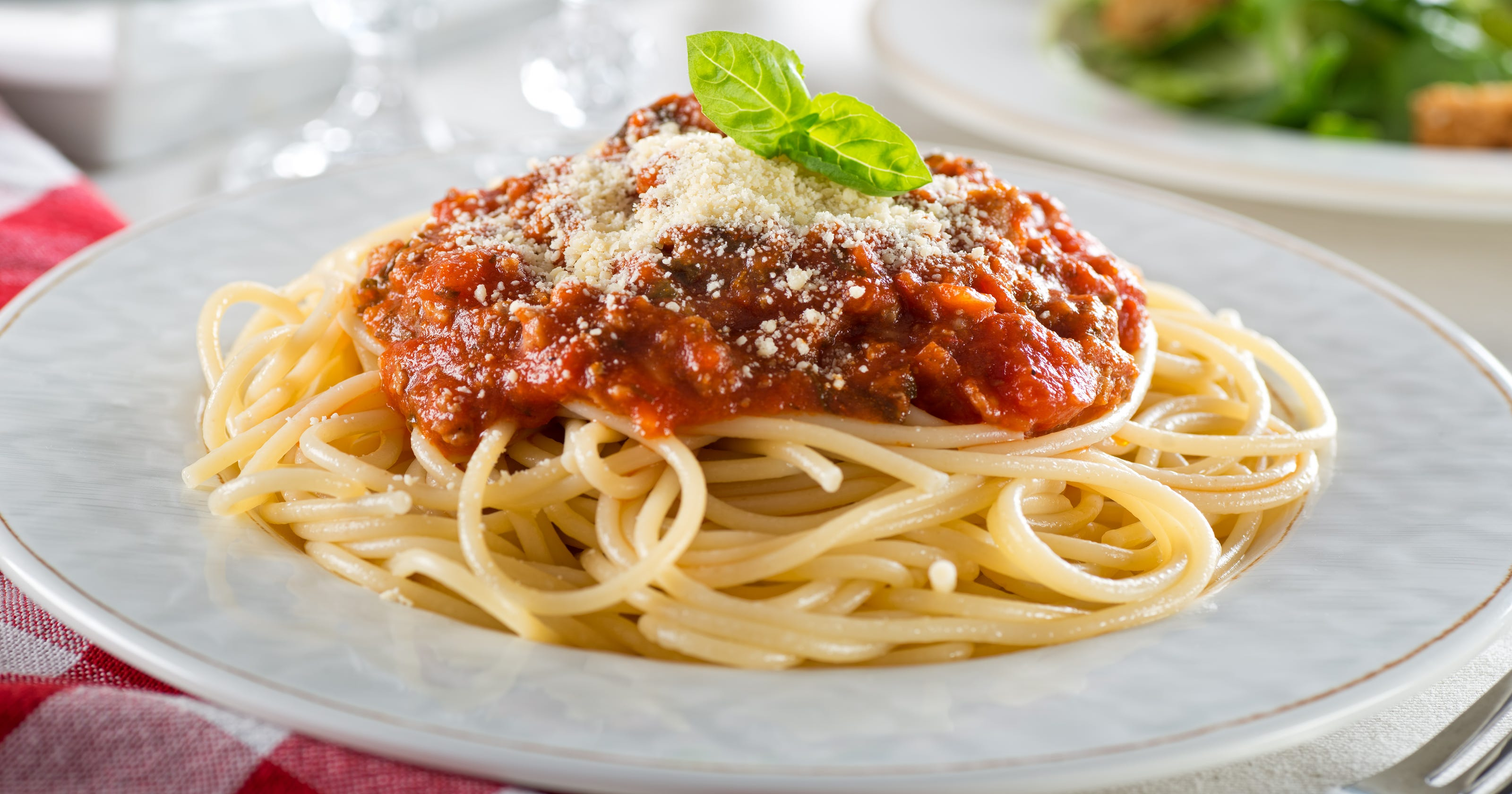 National spaghetti day 2019 where to get deals and freebies friday and beyond for Olive garden national pasta day