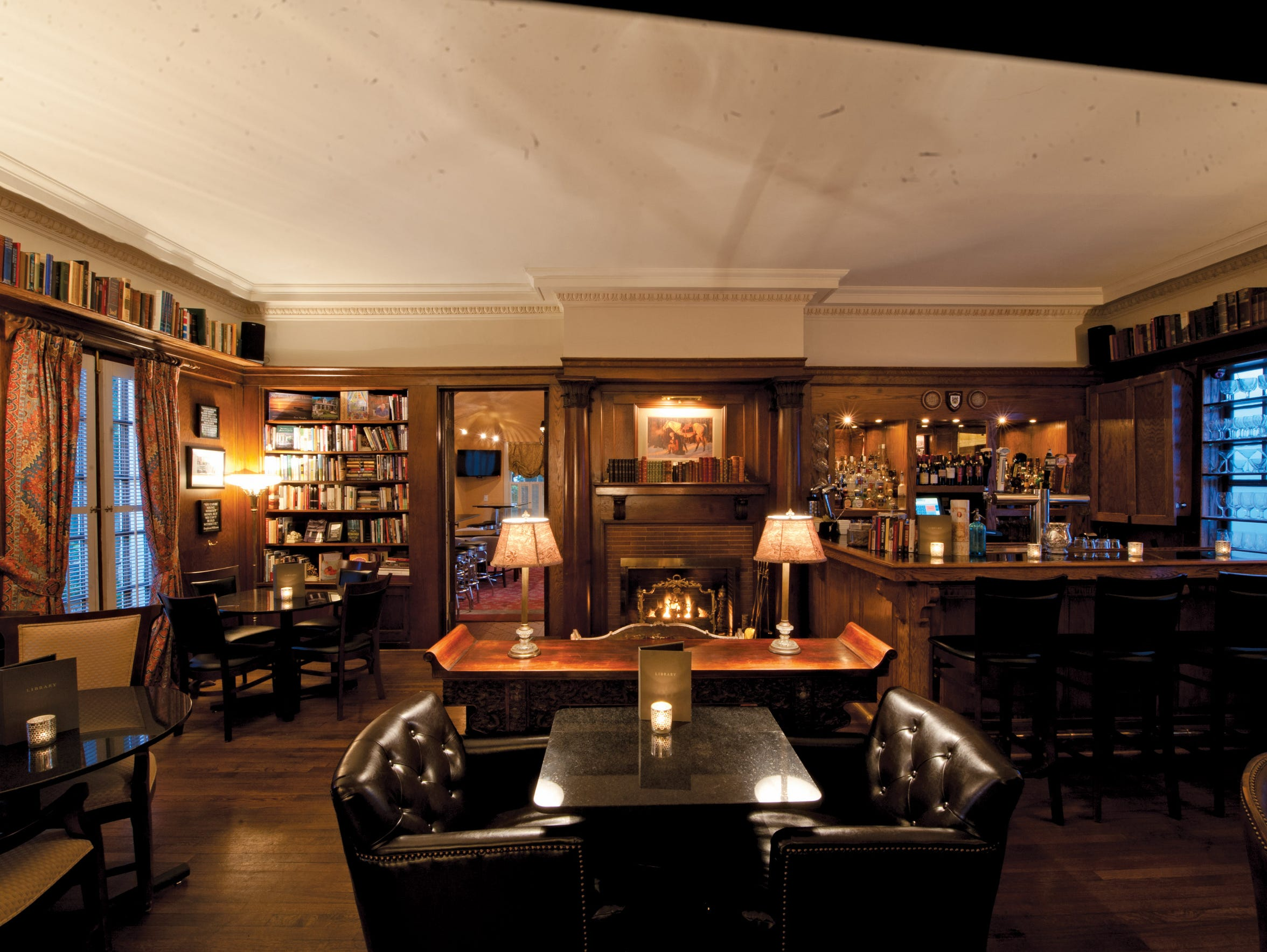 Library Lounge at Jackson's Fairview Inn.