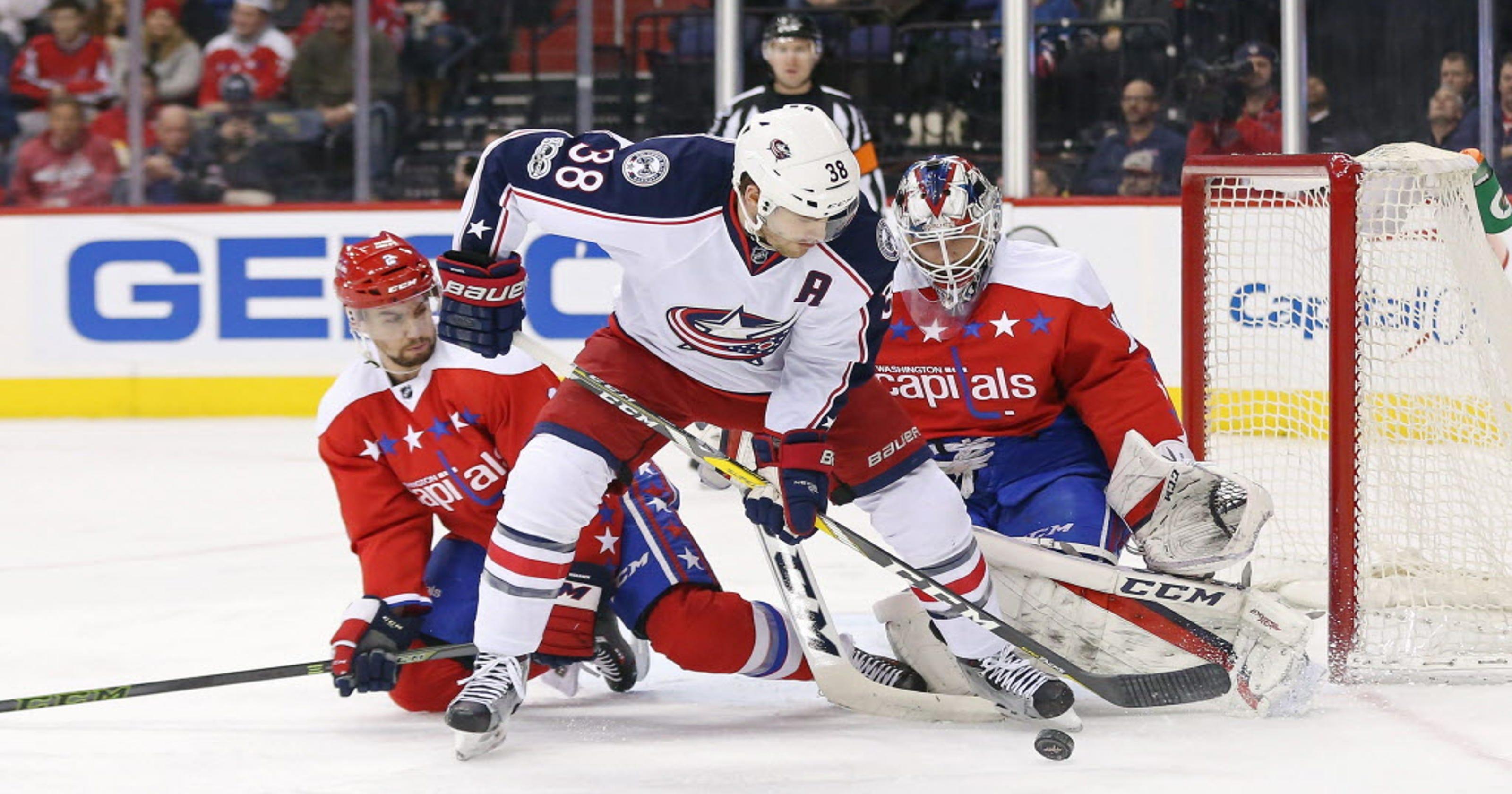 6be4e35c325 Capitals shut down Blue Jackets' winning streak just shy of NHL record