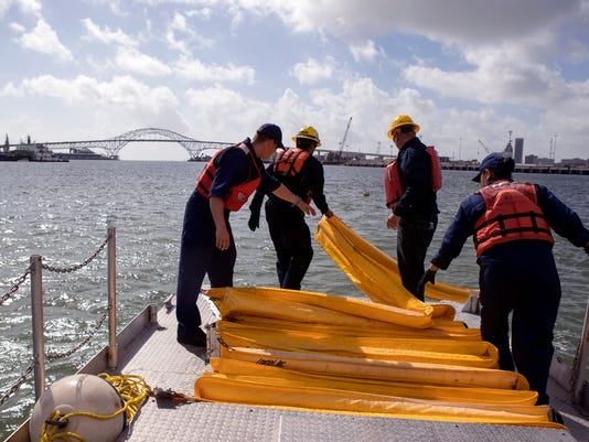 636657860413792854-735688002-Coast-Guard-Disaster-Training01.JPG