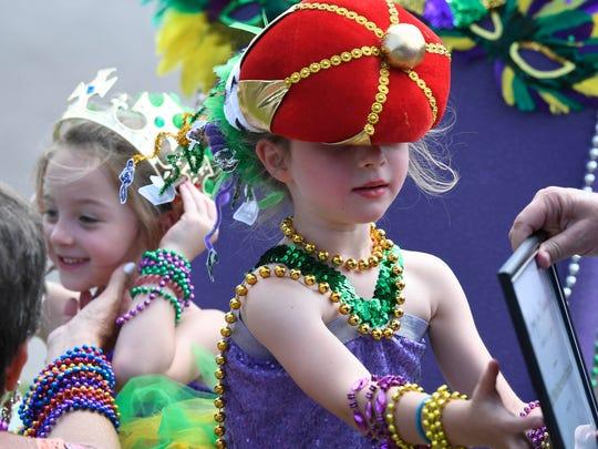 Twins Mila Thompson (left) and Jordan Thompson, 5 years-old,