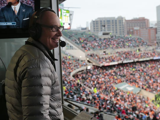 Bengals radio play-by-play announcer Dan Hoard calls