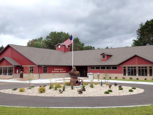 Hortonville Municipal building.jpg
