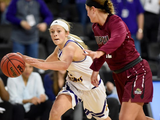 Western Illinois University's Emily Clemens drives
