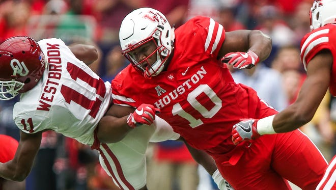 Houston Cougars defensive tackle Ed Oliver (10) has established himself as one of the most dominant defensive linemen in the country. He figures to be at the center of an extremely disruptive Houston defense when it visits Memphis at Liberty Bowl Memorial Stadium on Friday.