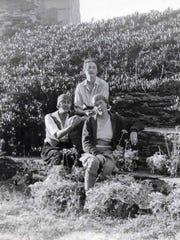 Lo (Lois Kellogg), Izzy Dryfus, Harriet Cody