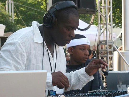Kevin Saunderson, left, and his son Dantiez Saunderson