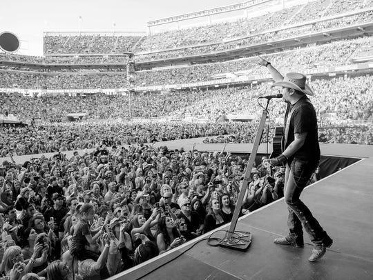 "Jason Aldean returns to Des Moines as part of the ""High Noon Neon"" tour."